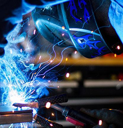 Pramoninių sistemų bei procesų automatizavimas, technologinių įrenginių automatizavimas.