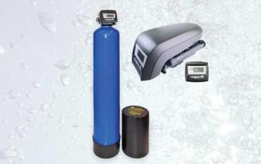 Automatinis geležies valymo filtras su kalio permanganato tirpalu. Automatinis, savaime prasiplaunantis geležies valymo filtras su kalio permanganatu. Geležies valymo filtras su kalio permanganato tirpalu - INFES technologijos.